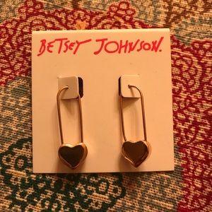 BNWT-Betsey Johnson Rose Gold earrings